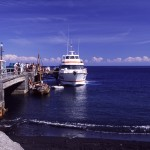 Eolie Islands, Sicily, Italy: Stromboli - boarding the hydrofoil